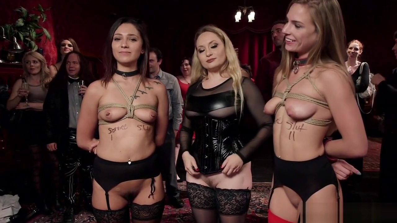 Competing sluts fucking in bdsm orgy