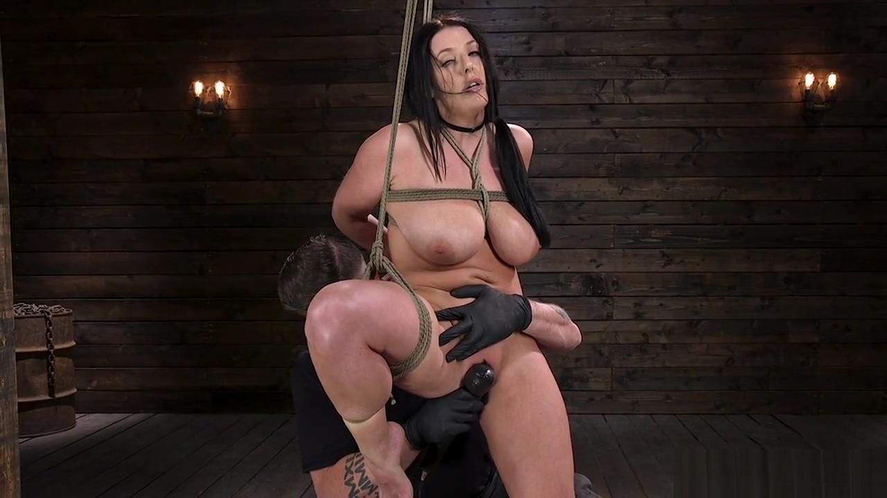 Pawg huge tits slave gets toyed