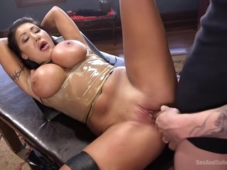 Angelica Taylor In Busty Milf August Taylor Hot Bdsm Porn Video